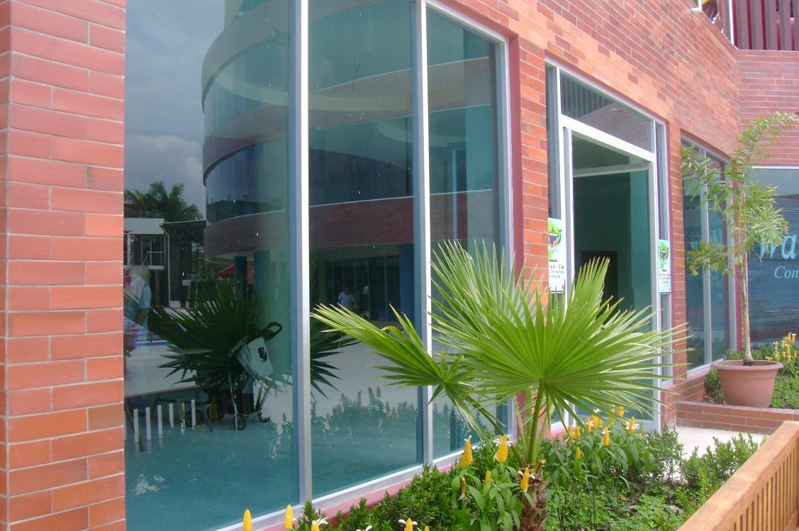 Instalacion De Cabinas De Baño Quito:perfiles de aluminio y vidrio Fabricamos e instalamos todo tipo de
